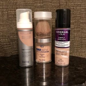 NWOT CoverGirl Foundation - 2 liquid + 1 Powder